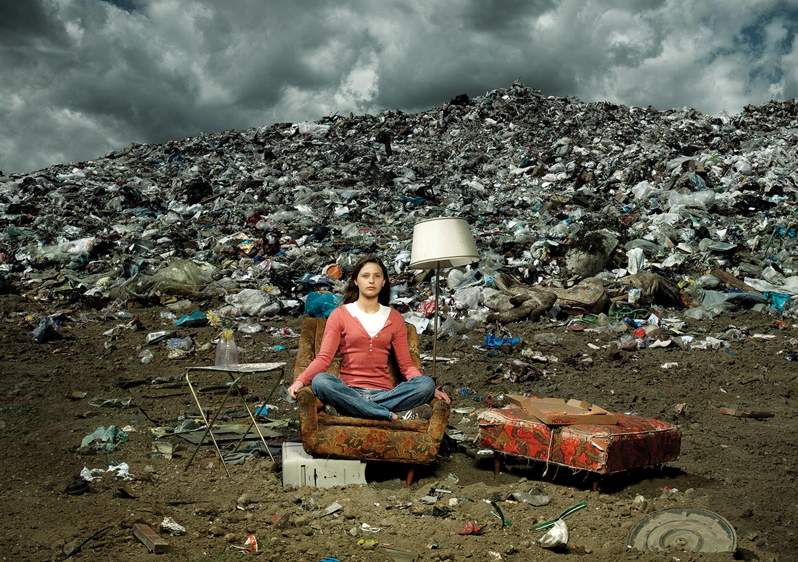 1-Girl-in-LandFill